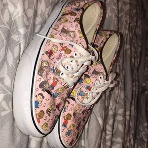 Limited Edition Vans / Snoopy Peanuts ✨